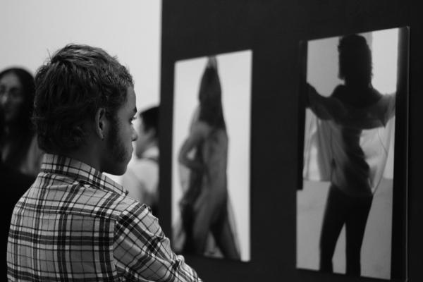 El Jardín Secreto es el nombre del libro y la exposición de fotografía erótica de Oscar León. Foto: Franscisco López Velásquez.