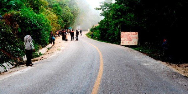 Bachajón, operativo de desalojo contra campesinos adherentes al EZLN. Foto: Radio Pozol