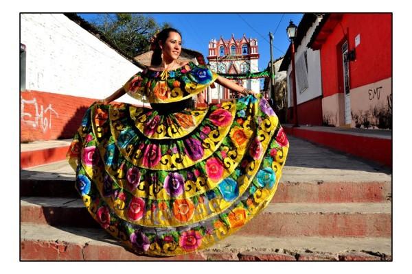 Vestido de chiapaneca. Foto: Osiris Aquino/ Chiapas PARALELO.