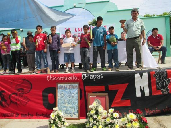 A 20 años de la represión, en Chicomuselo exigen justicia para tres campesinos asesinados por la policía estatal.