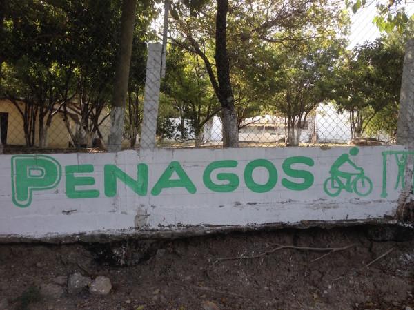 Propaganda de Carlos Penagos en la barda de las oficinas de Sedesol