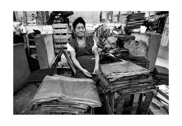 """Hoja de plátano -para tamales- Mercado """"San Juan"""". Foto: Jacob García."""