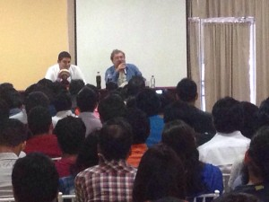 Paco Ignacio Taibo II en la conferencia que impartió ayer en Tuxtla Gutiérrez.