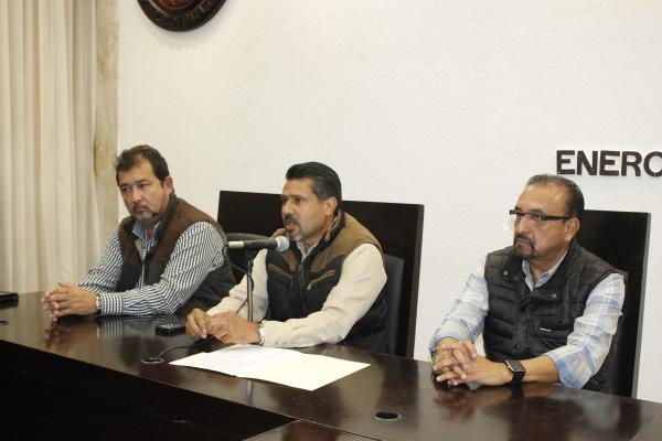 El presidente de la mesa directiva del Congreso del Estado, Jorge Enrique Hernández Bielma con integrantes de la mesa directiva. Foto: Cortesía.