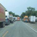 Camioneros entrando a Chiapas por la frontera de Guatemala. Foto: Cortesía