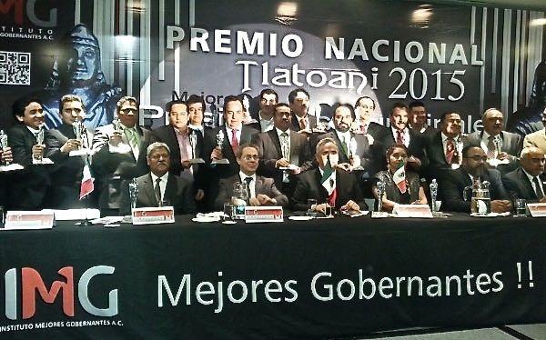 Alcaldes de Altamirano y La Independencia, del PVEM, se compran premios Tlatoani. Foto: Cortesía