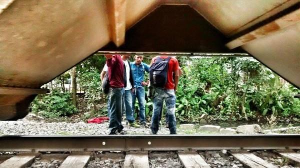 Migrantes, víctimas de la extorsión. Foto: Rubén Figueroa.