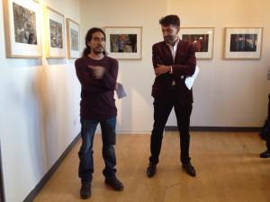 """Moysés Zuñiga en la inauguración de la exposición """"Lost and Found"""". Foto: Cortesía"""