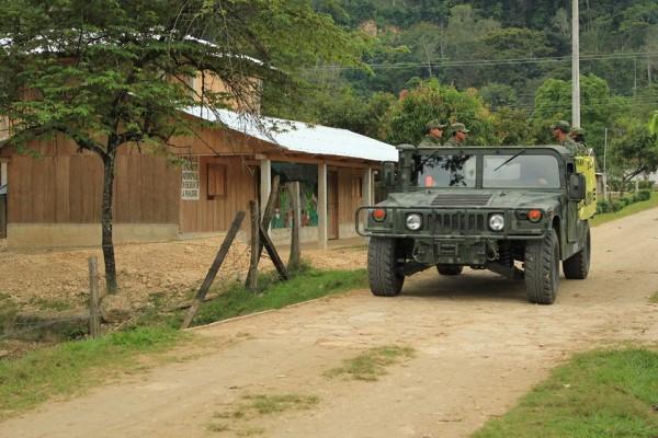 Patrullajes intesos del Ejército denuncian bases de apoyo zapatista.