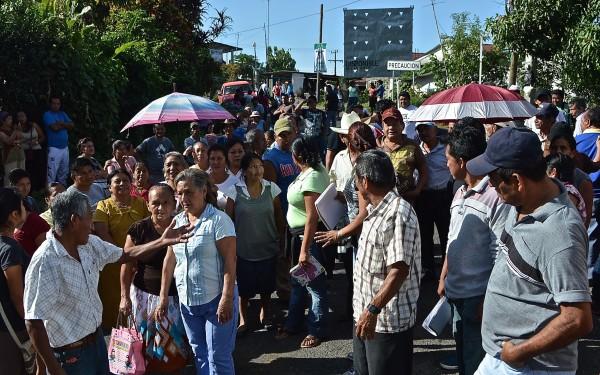 Manifestación de damnificados por sismo del 7 de julio. Foto: Cesar Rodríguez