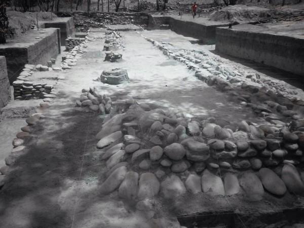 Vestigios arqueológicos de uno de los tres asentamientos humanos encontrados en Chicoasén II