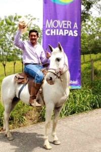 De entre los 23 aspirantes a dirigir la Universidad Autónoma de Chiapas para el periodo 2018-2022 llama la atención que el único político registrado haya sido Enoc Hernández Cruz, y también que despierte un rechazo generalizado por la comunidad universitaria.