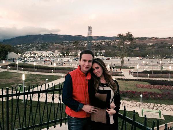 –¿Asumirá el rol de primera dama en Chiapas o seguirá en su papel de artista? –Ella hará labor social, estará cerca de su marido como cualquier mujer de este país que está cerca de su marido.
