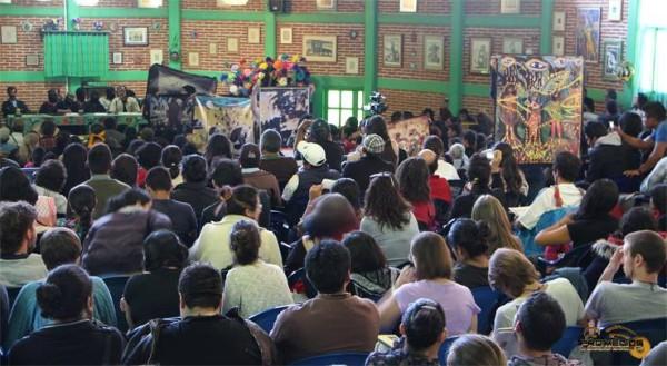 """""""Como zapatistas que somos no llamamos a no votar ni tampoco a votar"""". Foto: Promedios"""