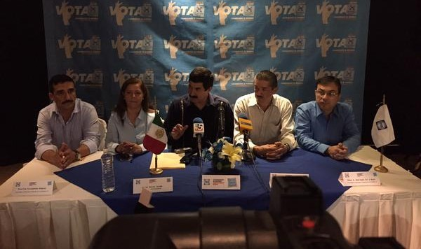 Corral Jurado en la conferencua de prensa.