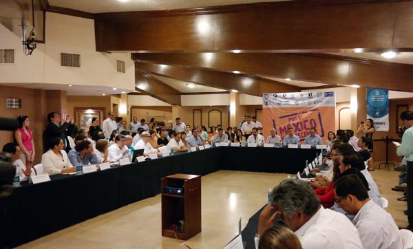 """Coparmex impulsa iniciativa """"Por el México que merecemos""""; candidatos a diputados  federales firman Agenda Ciudadana"""