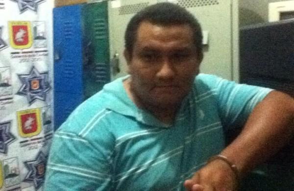 Alejandro de los Santos Villatoro fue hallado responsable del delito de Robo con violencia en agravio de Lourdes Albores.