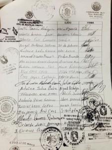 Las firmas de los líderes ejidales