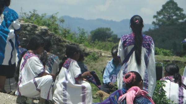 Algo positivo es la participación de mujeres indígenas como funcionarias de casilla.  Foto: Red de Observadoras Electorales