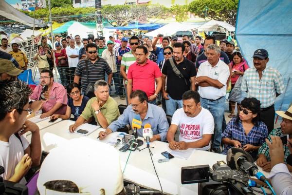 La dirigencia del magisterio ofreció una conferencia de prensa por la mañana. Foto: Fernando Hernández/Chiapas PARALELO.