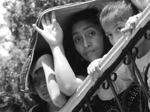 Asistentes al mitin de MORENA. Foto: Raúl Vera