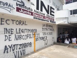 """Maestros se oponen a la legitimación de """"narcopolíticos"""". Foto: ChiapasPARALELO"""