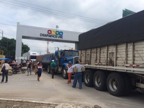 Bloqueos a las entrada de la capital de Chiapas. Foto: Chiapas PARALELO