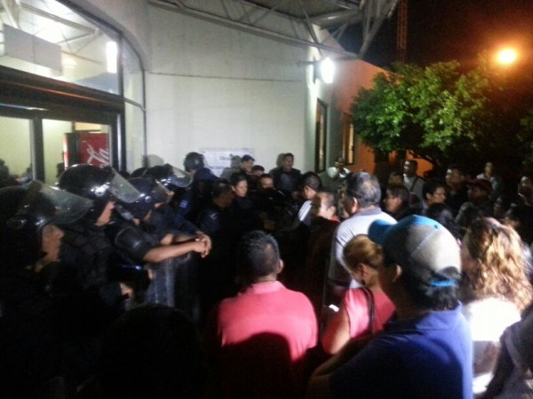 Padres de los estudiantes normalistas exige su liberación. Foto: Chiapas Paralelo