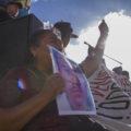 San Cristobal de Las Casas, Chiapas. 30 de julio de 2015. La caravana sur de padres de los 43 estudiantes desaparecidos en el ataque de fuerzas policiacas a la normal Raul Isidro Burgos en Ayotzinapa el 26 de septiembre pasado conmemora con una marcha y mitin en San Cristobal de Las Casas el cumplimiento de 10 meses de la desaparecion de sus hijos. Sentenciaron que si para el 16 de septiembre de este ano no les devuelven a sus hijos el presidente Enrique Pena Nieto sera destituido. Foto: Moyses Zuniga Santiago.