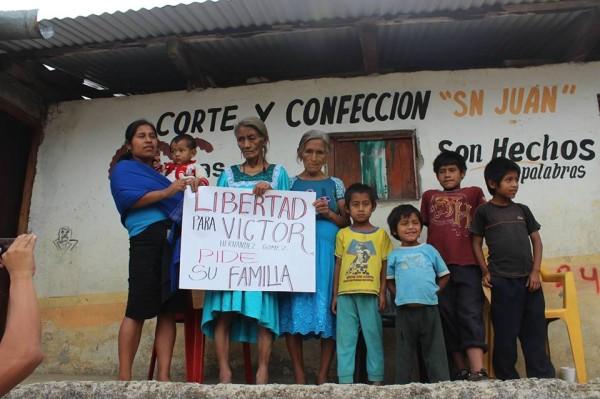 Familia de Víctor Hernández Gómez, preso indígena zoque detenido injustamente. Foto: Centro de Lengua Zoque
