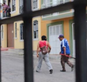 Personas armadas recorren Comitán. Foto: Luz del Alba Belasko