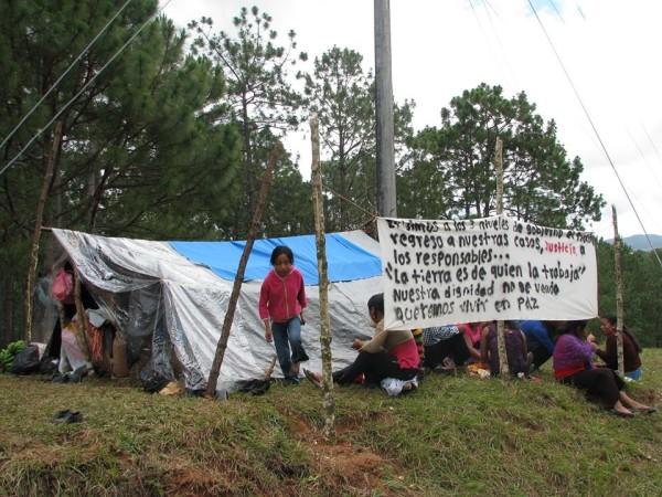 El gobierno omiso en atención a problemas graves que sufren desplazados, acusan