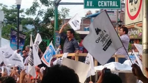 Francisco Antonio Rojas Toledo en el mitin del lunes por la tarde en Tuxtla.