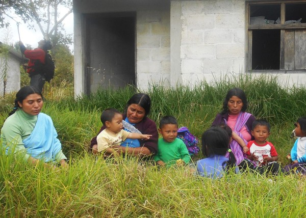 6 niñas y 3 niños retornaron temporalmente a sus casas sin que el Estado mexicano garantice las condiciones mínimas de seguridad. Foto: Melel Xojobal