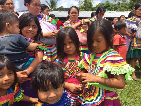 La campaña nacional de vacunación no llegó a miles de niños y niñas que habitan comunidades de la selva. Foto: Ángeles Mariscal/Chiapas PARALELO