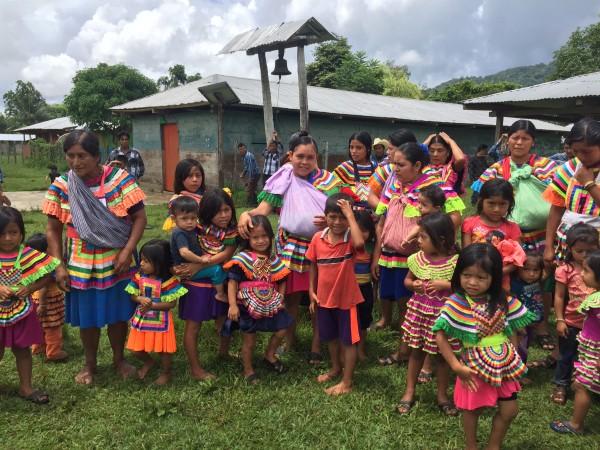 Mariana no lo sabe, pero es heredera de un pueblo  rico en tradiciones e historia. Foto: Ángeles Mariscal/Chiapas PARALLEO