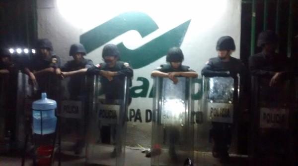 Policías toman 12 planteles del CONALEP en Chiapas