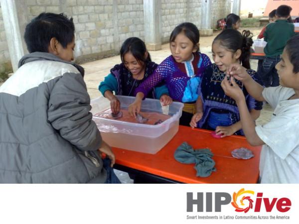 Niñas y jóvenes mujeres indígenas buscan donaciones para continuar sus estudios. Foto: Cortesía