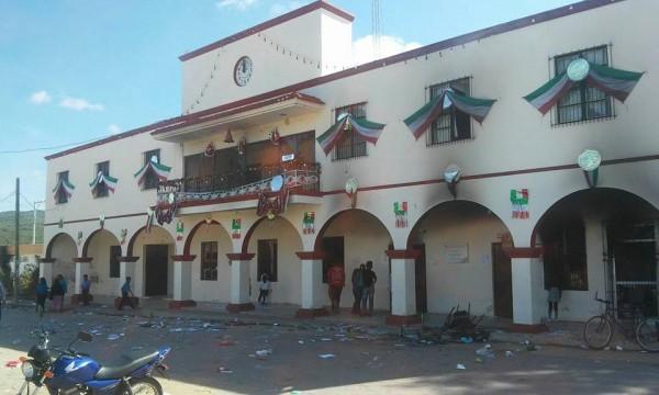 Alcaldía de Tzimol con daños totales. Foto: Cortesía