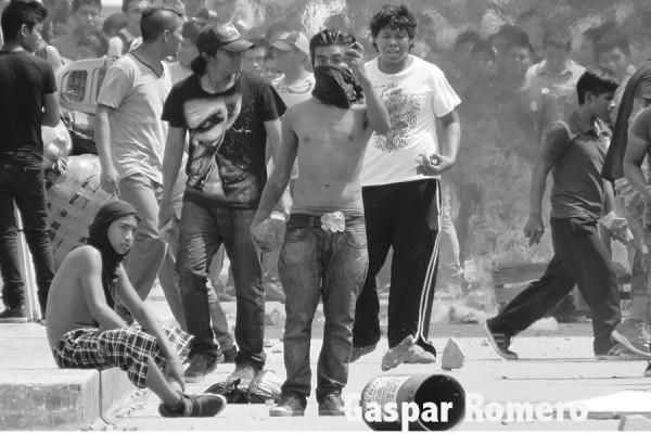 Indígenas de San Juan Chamula durante manifestaciones en la autopista a San Cristóbal de las Casas. Foto: Gaspar Romero