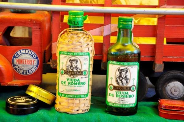 © Nuestro tequila verde. ¿Le recuerdan? Mercadillo de La Lagunilla. Ciudad de México (2008)