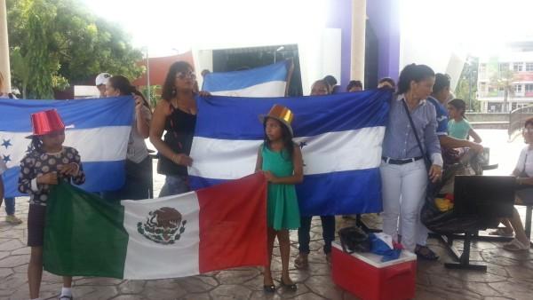 Comunidad migrante se manifiesta en Tapachula para pedir oportunidades de estudio. Foto: Benjamín Alfaro.
