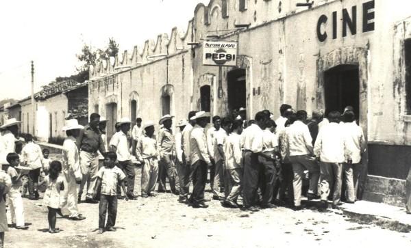 © Cine Isabel y Paletería El Popo. La Concordia, Chiapas (c1970)