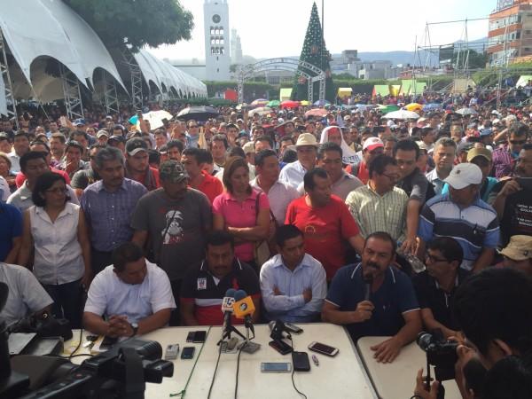 Maestros advirtieron que no permitirán el regreso a los centros de trabajo, a quienes presentaron la evaluación. Foto: Isaín Mandujano/Chiapas PARALELO