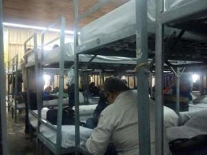 Maestros fueron llevados a pernoctar en el lugar donde se realiza la evaluación. Foto: Chiapas PARALELO