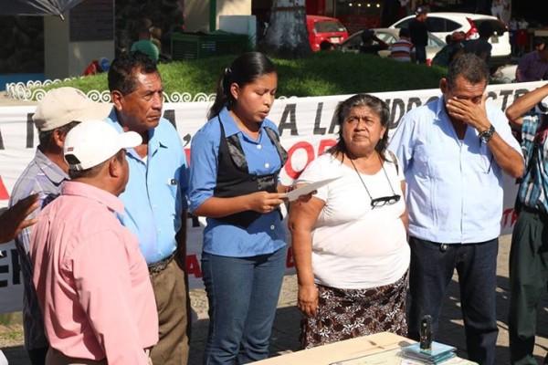 Leen proclama contra la minería y las represas