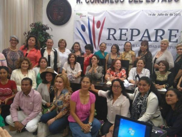 Integrantes de REPARE en el Congreso del Estado. Foto: Cortesía