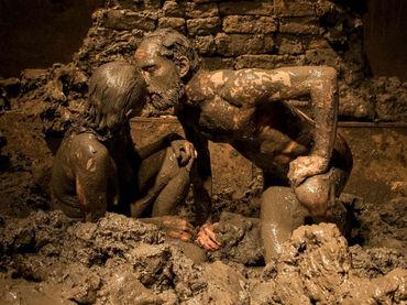 Tristán e Isolda' se unen en una pasión de barro. Foto: www.informador.com.mx