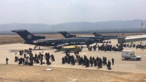 Federales llegando al Aeropuerto