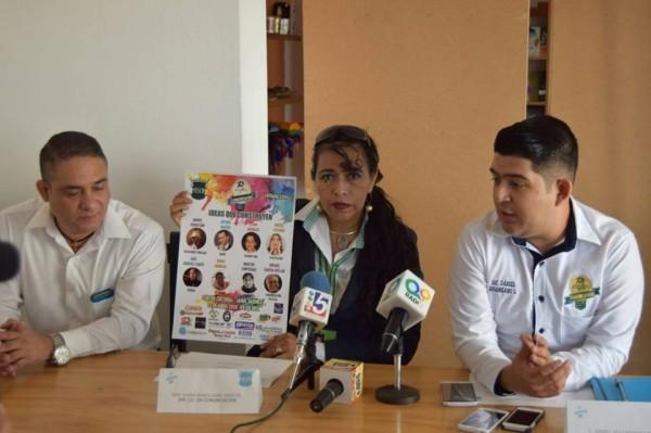 En conferencia de prensa la directora de la licenciatura en ciencias de la comunicación, Doria Mandujano Santos; Daniel Solorzano y Alonso Valadez, organizadores del evento dieron a conocer el programa.